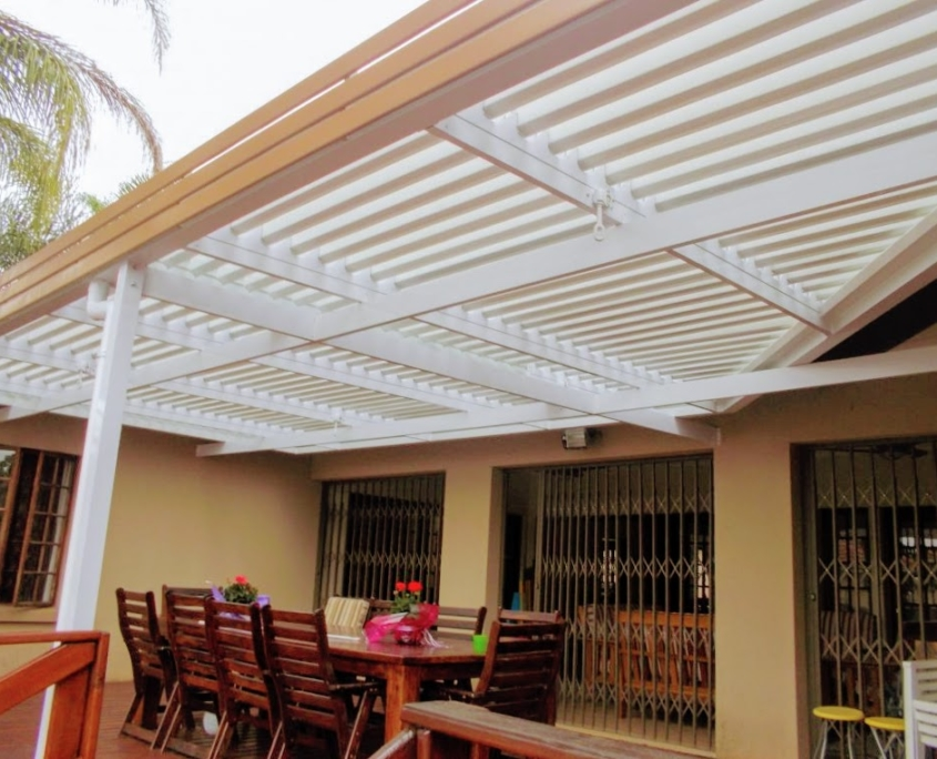adjustable aluminum louvre awning for a family entertainment area